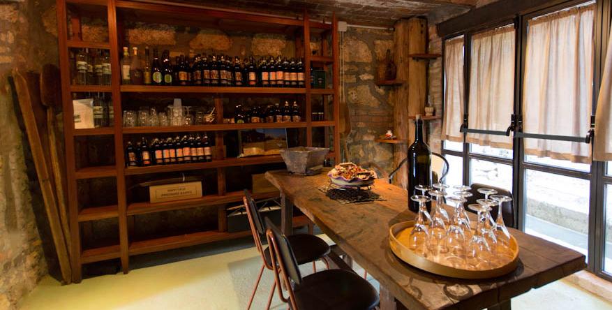 Weinkeller der Villa Cascante